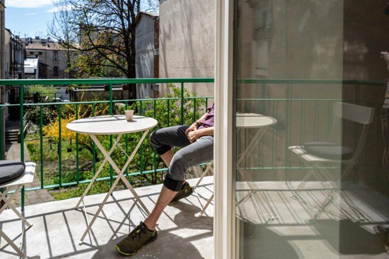 Co ma znaczenie przy wybieraniu osłon balkonowych?